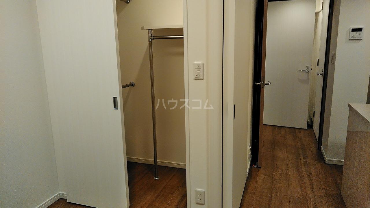 アジールコート新高円寺 205号室の収納