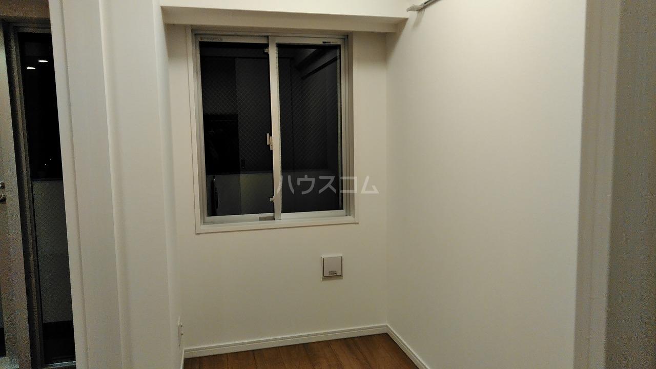 アジールコート新高円寺 205号室の居室