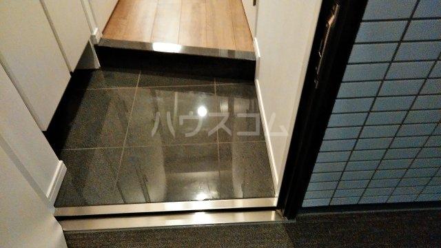 アジールコート新高円寺 205号室の玄関