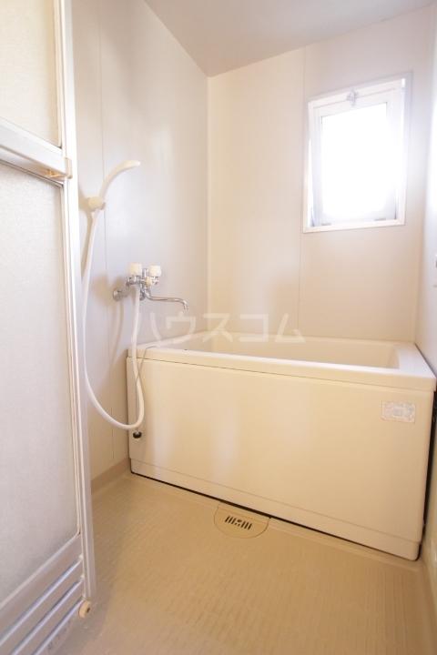 グランドールマンション 101号室の風呂
