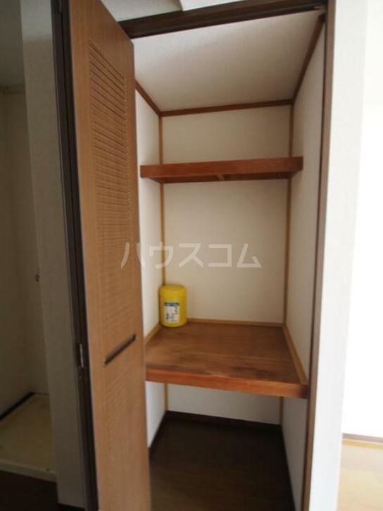 DUEX YUKI 202号室の収納