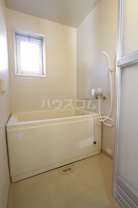 グランドールマンション 105号室の風呂