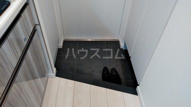 アジールコート新高円寺 402号室の玄関