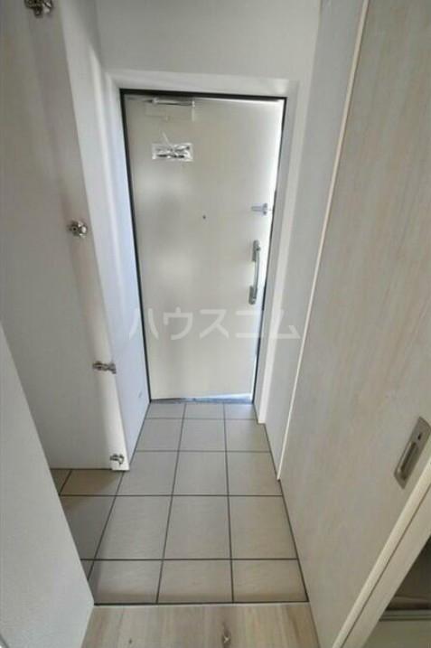 タスキsmart世田谷 101号室の玄関