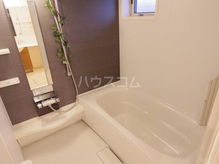 ヴィクトワール常総B 201号室の風呂