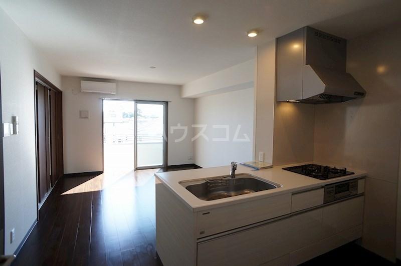 クロリス 303号室のキッチン