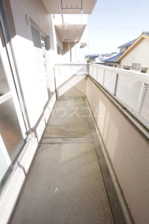 グランドールマンション 206号室のバルコニー