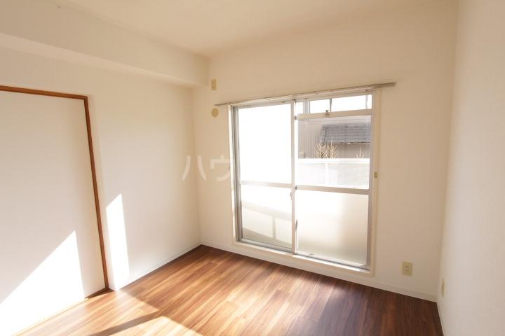 グランドールマンション 206号室の居室