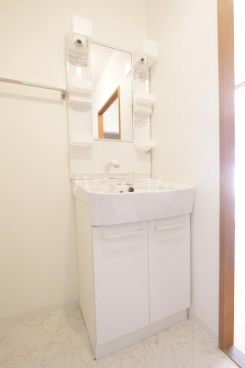 グランドールマンション 206号室の洗面所