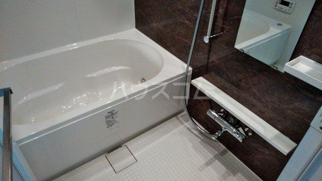 アジールコート新高円寺 601号室の風呂