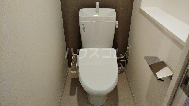 アジールコート新高円寺 601号室のトイレ