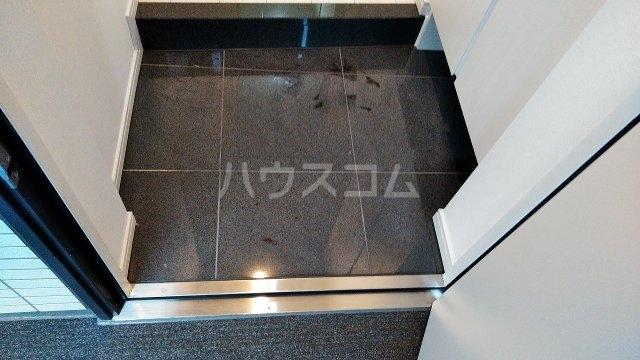 アジールコート新高円寺 601号室の玄関