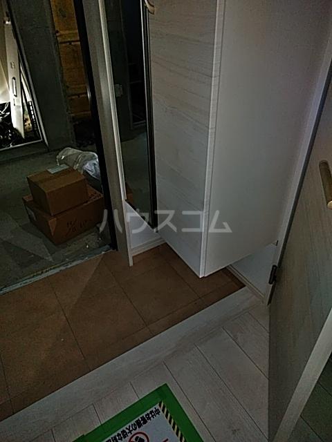 アヴァンセ志免町(仮) 302号室の玄関