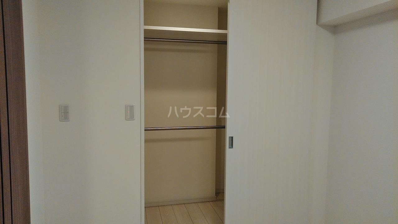 アジールコート新高円寺 607号室の収納
