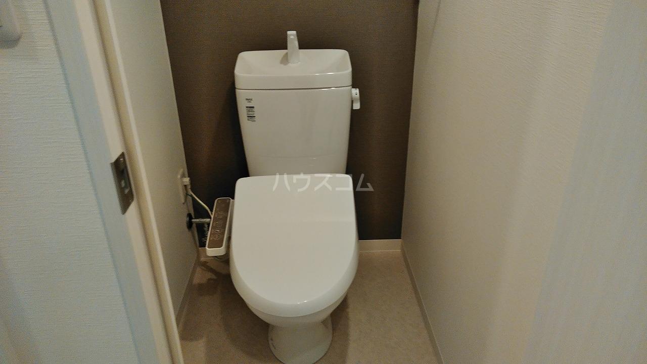 アジールコート新高円寺 607号室のトイレ