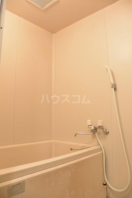 ハウスパーシモン 201号室の風呂