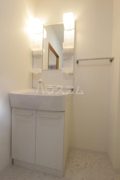 グランドールマンション 402号室の洗面所