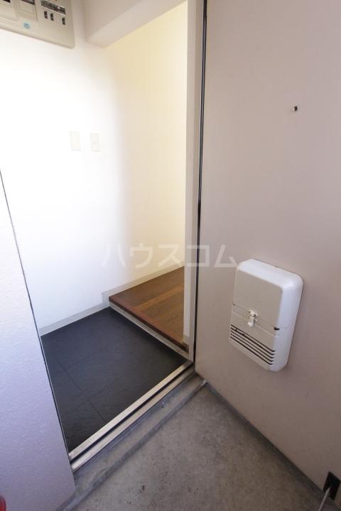グランドールマンション 402号室の玄関
