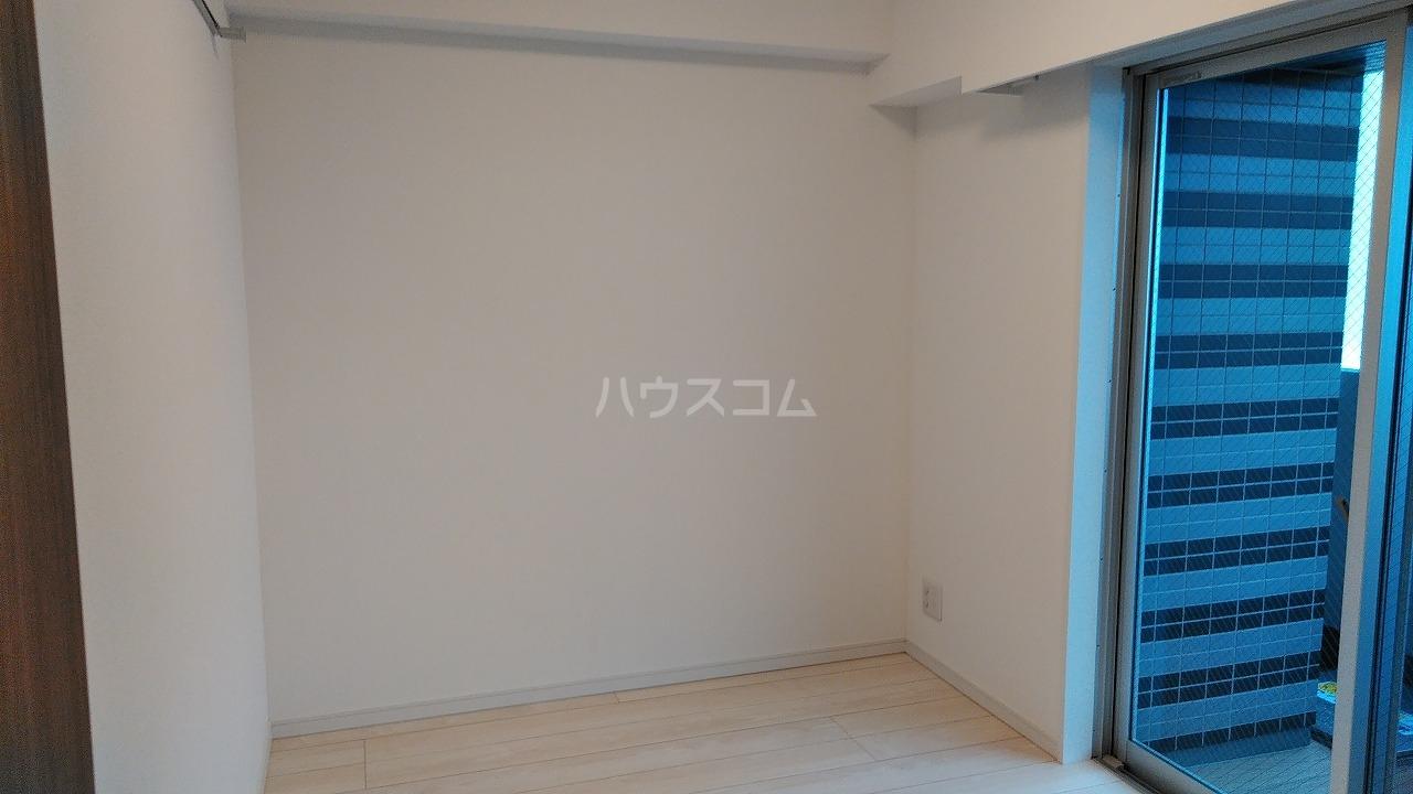 アジールコート新高円寺 901号室の居室