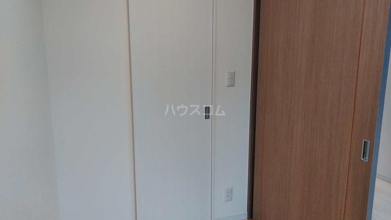 アジールコート新高円寺 1002号室の居室