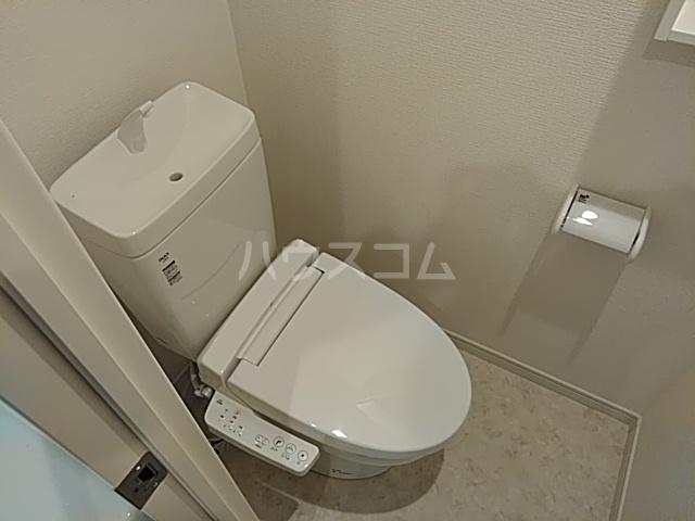 ミハス池袋 201号室のトイレ