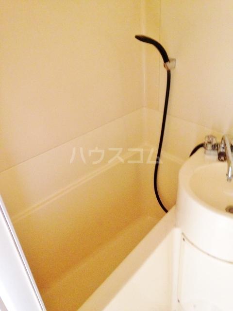 サウスドゥファルコン 101号室の洗面所