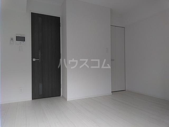 レオンコンフォート池田山 603号室のリビング