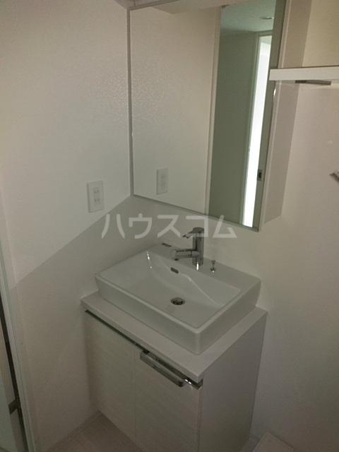 レオンコンフォート池田山 603号室の洗面所