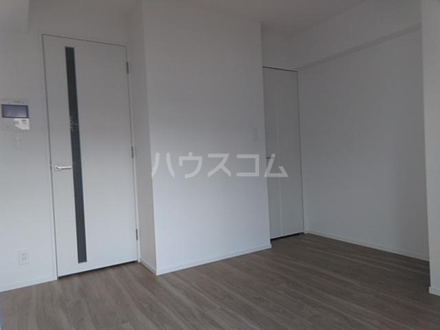 レオンコンフォート池田山 703号室のリビング
