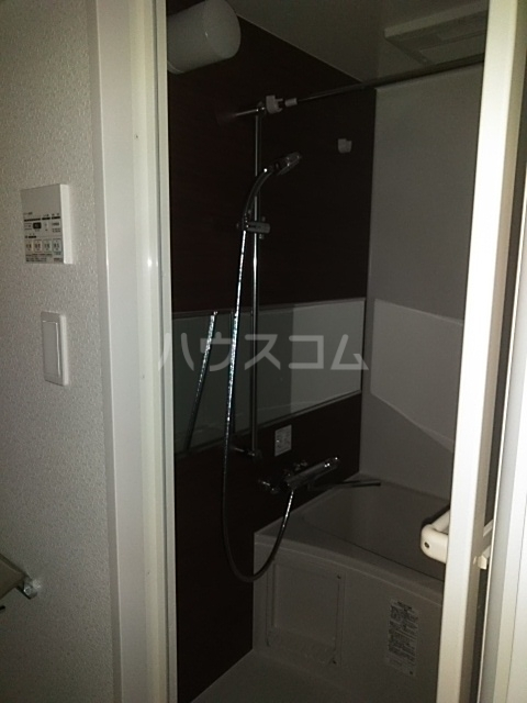 レオンコンフォート池田山 703号室の風呂