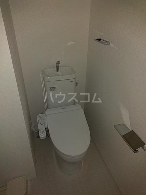 レオンコンフォート池田山 703号室のトイレ