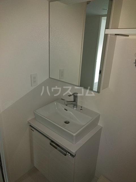 レオンコンフォート池田山 703号室の洗面所