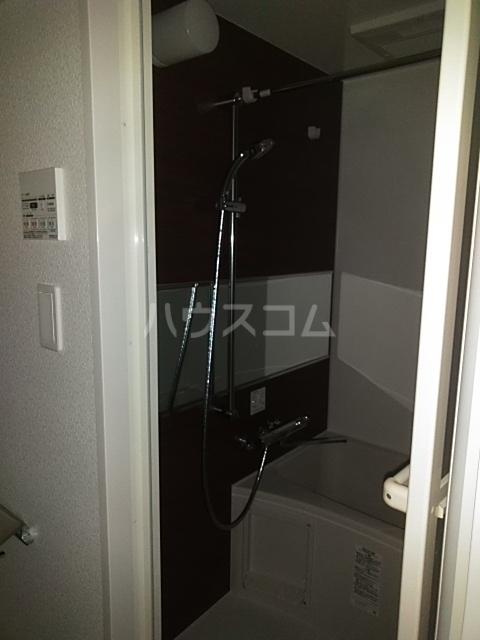 レオンコンフォート池田山 903号室の風呂