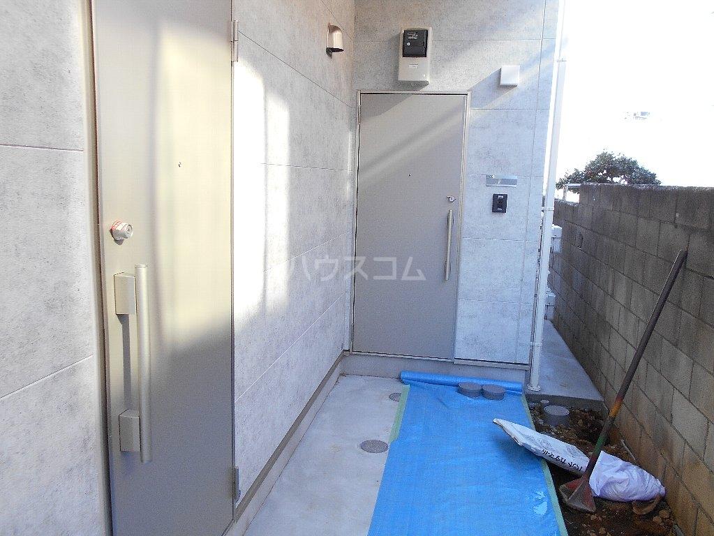 アトラス菊名 205号室の玄関