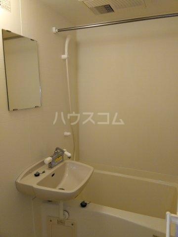 レオパレスKC 204号室の風呂