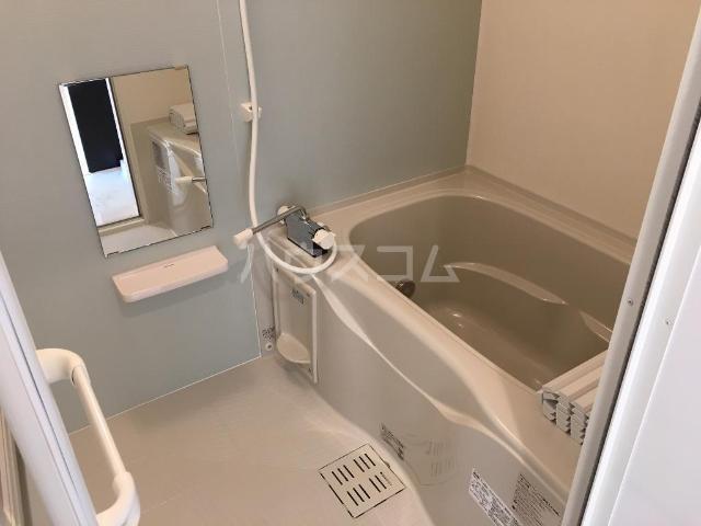 エルフェイム 106号室の風呂