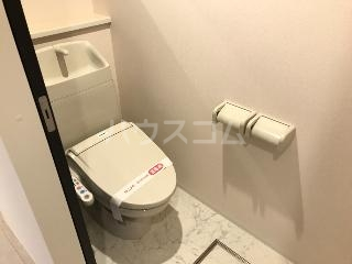エルフェイム 106号室のトイレ