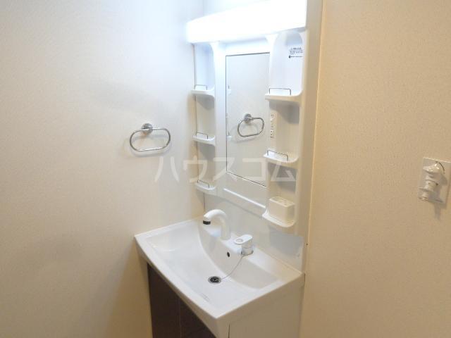エルフェイム 106号室の洗面所