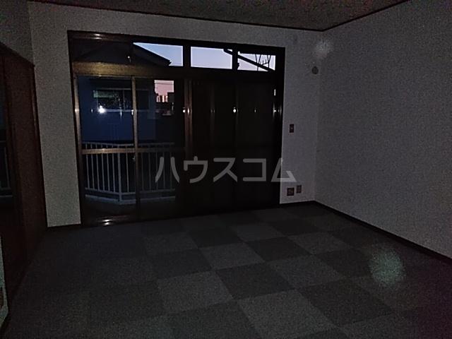 第3グリーンハウス 202号室の居室