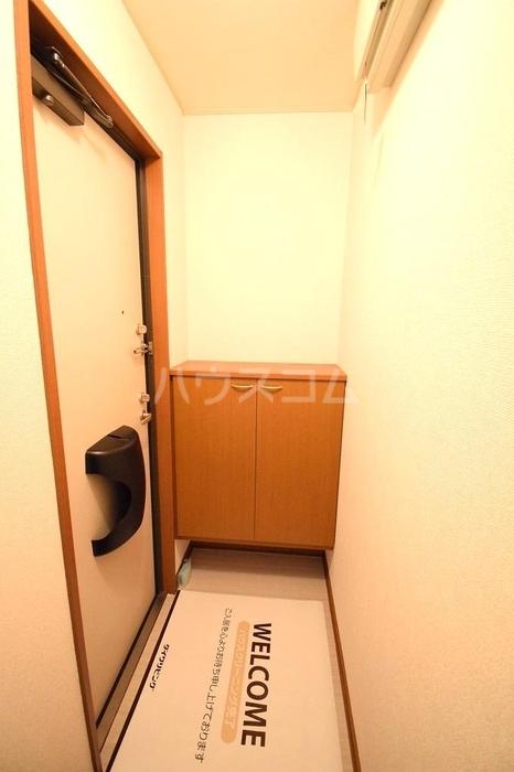 Amabile 102号室の玄関