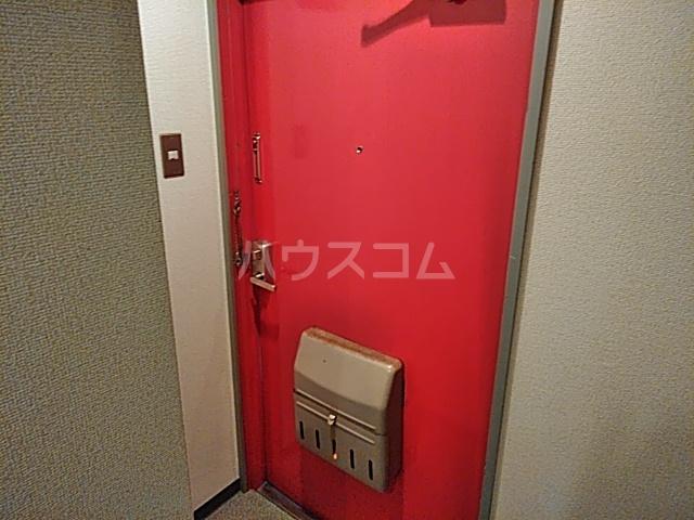 エクセレンス山ノ内 402号室の玄関
