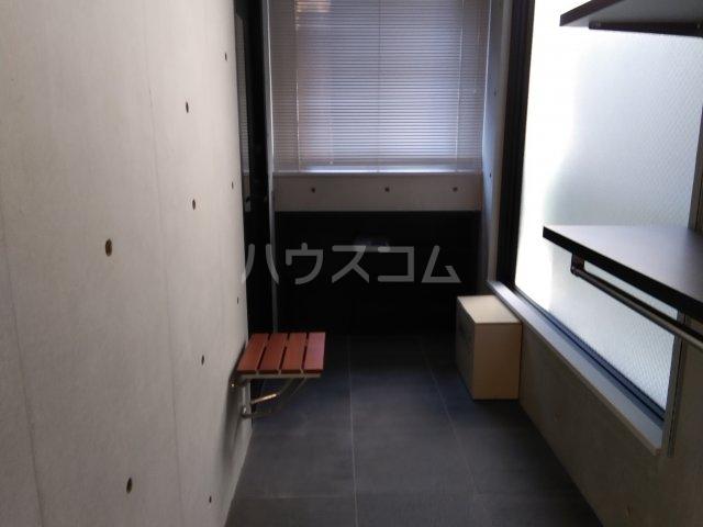 コスティック三ノ輪 402号室の玄関