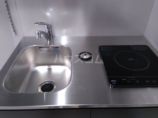 コスティック三ノ輪 402号室のキッチン
