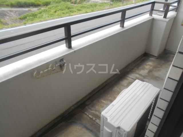 リバーサイド橋忠 2D号室のバルコニー