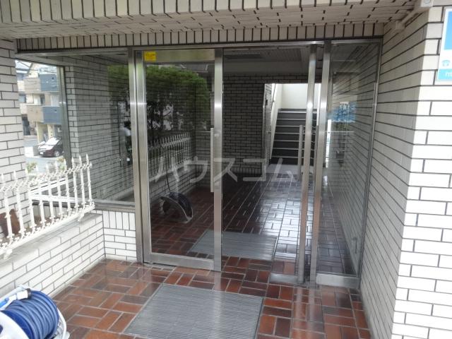 リバーサイド橋忠 2D号室のエントランス