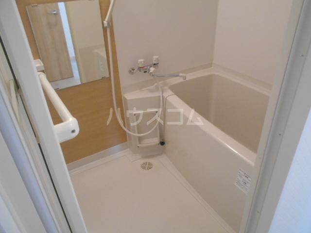 リバーサイド橋忠 2D号室の風呂