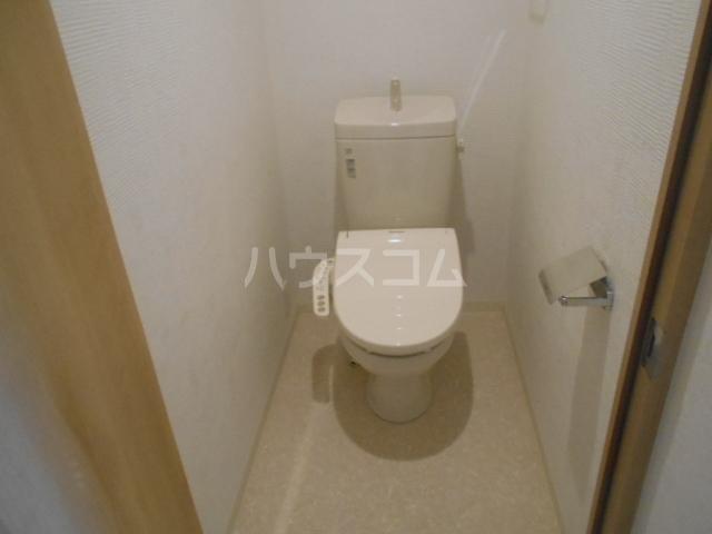 リバーサイド橋忠 2D号室のトイレ