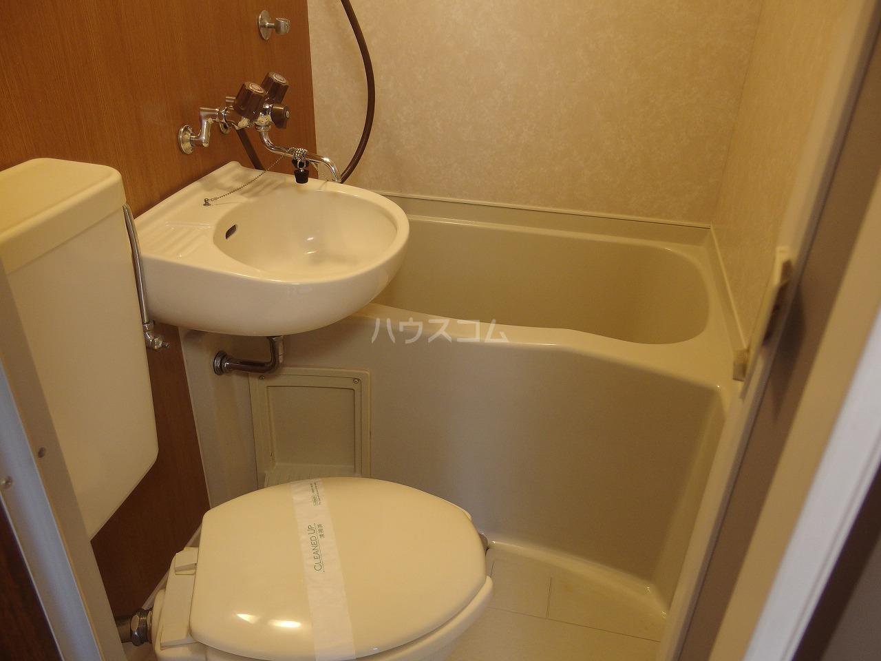 シャルマンハウス石田1号館 205号室の風呂