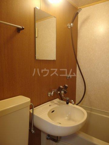 シャルマンハウス石田1号館 205号室の洗面所