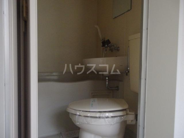 シャルマンハウス石田2号館 106号室の洗面所